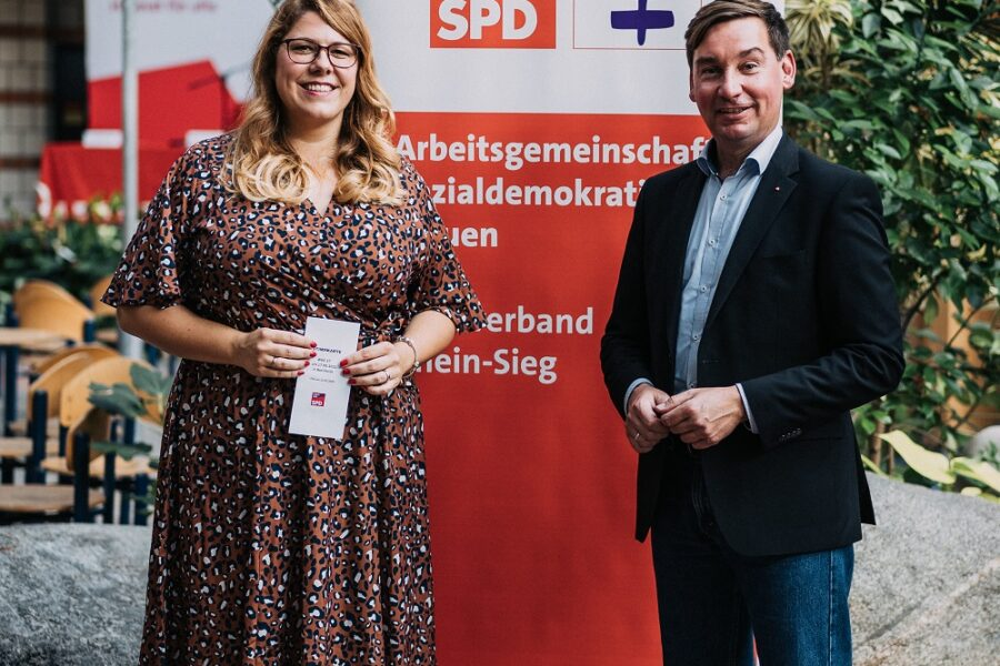 Landtagskandidatin Anna Peters und Bundestagsabgeordneter Sebastian Hartmann